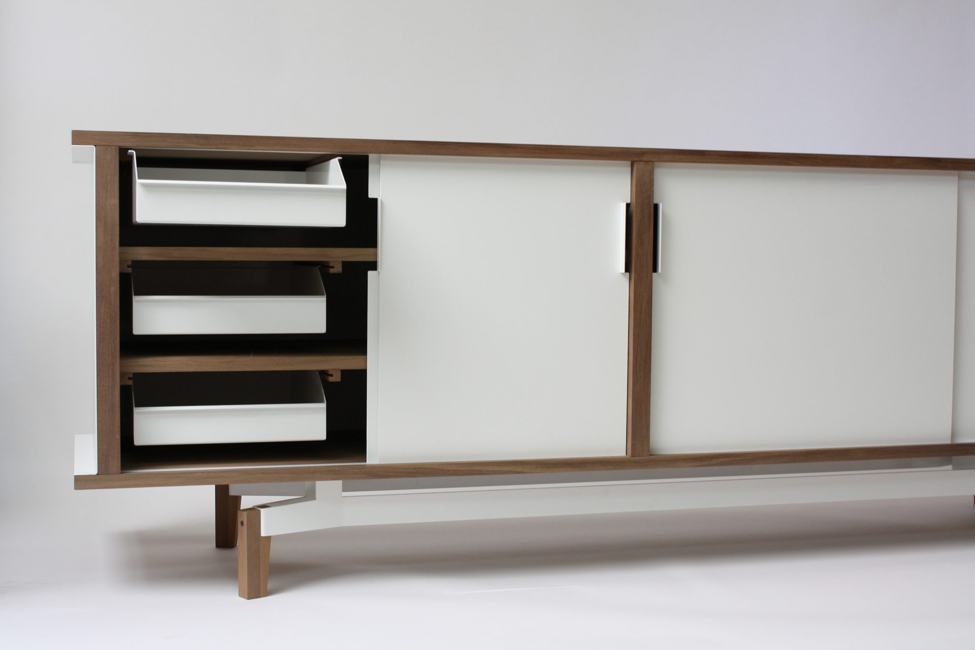 Products_ sideboard_02